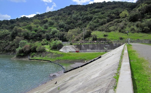 Geosyntec led a team that conducted safety reviews and potential failure mode analyses reviews of four dams, three of which had suspected seismic deficiencies.
