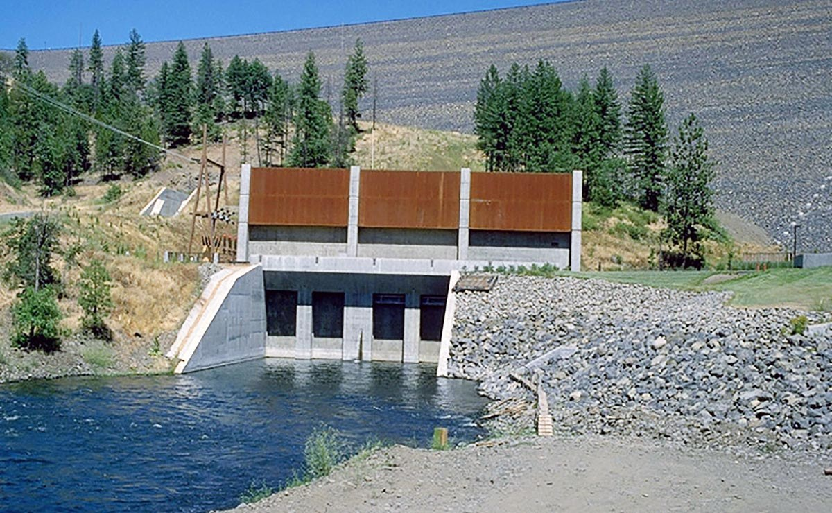 Geosyntec assisted a hydropower utility develop flood inundation models as part of their emergency action plan update for their major reservoirs. Geosyntec then updated a subset of these models to serve as operational models to support hydropower operations under normal flow conditions. Additionally, Geosyntec updated hydrothermal models for multiple reservoirs in their hydropower system to enhance their operations while maintaining regulatory compliance.