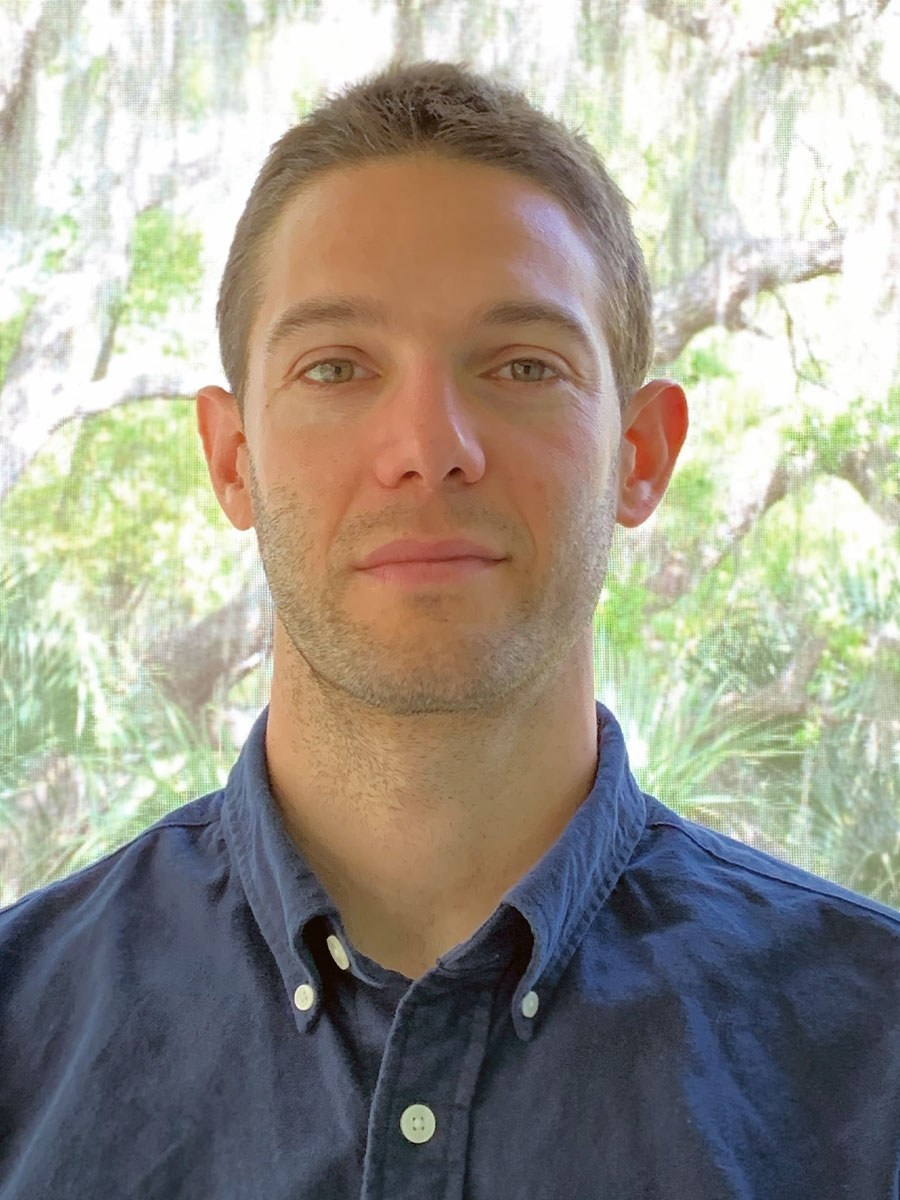 Daniel Montiel Coauthored a Paper on Microbial Community Composition in the PLOS ONE Journal